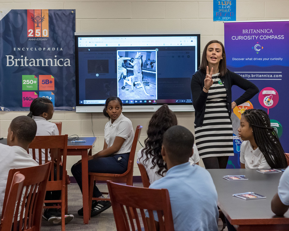 Encyclopaedia Britannica's professional development specialist Kelli Johns conducts a Curiosity Compass workshop for students at the Barack Obama Learning Academy in Markham, Ill.