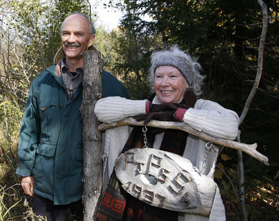 Art and Donna Marvin on their Port Hope farm. (CNW Group/Forests Ontario)