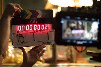 "WORKING TITLE AND UNIVERSAL PICTURES BEGIN PRINCIPAL PHOTOGRAPHY ON ""CATS"" FROM OSCAR®-WINNING FILMMAKER TOM HOOPER"