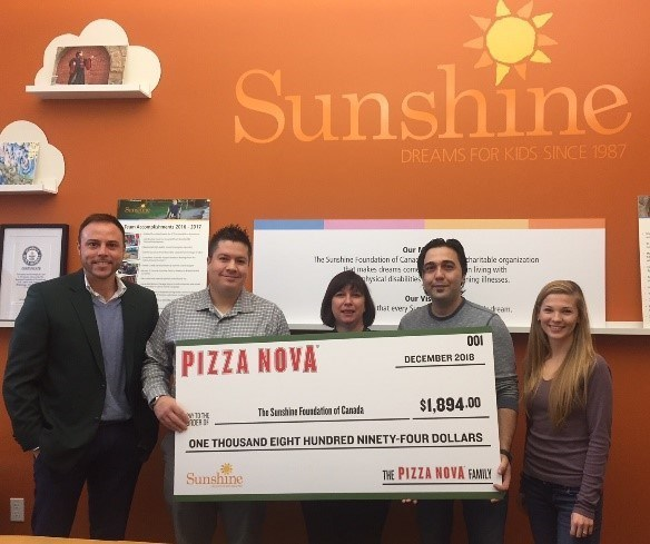 From left to right: Josh Edwards, District Manager, Pizza Nova, Tom Karalic, Franchisee, Pizza Nova, 850 Wellington Rd., Christine Freeman, Manager of Partnerships & Philanthropy, The Sunshine Foundation of Canada, Hadi Moghaddam, Franchisee, Pizza Nova,1194 Highbury Ave. North and Brittany Kosir, Coordinator, Partnerships & Philanthropy, The Sunshine Foundation of Canada. (CNW Group/Pizza Nova)
