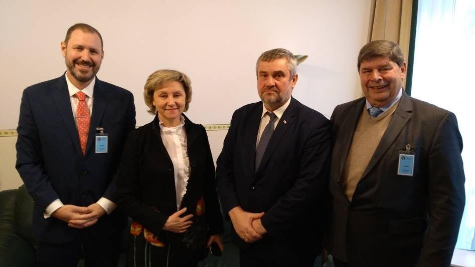 Pictured (Left to Right): Robert Hoban, on behalf of International Hemp Solutions, Malgorzata Zimniewska, PhD Eng Director, Institute of Natural Fibres and Medicinal Plants, Jan Krzysztof Ardanowski, Polish Minister of Agriculture and Rural Development, and Jaap Kras, President of International Hemp Solutions-EU.