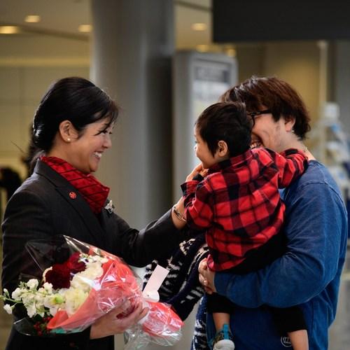 Une des familles qu''Air Canada a accueillie en cette saison des fêtes. (Groupe CNW/Air Canada)