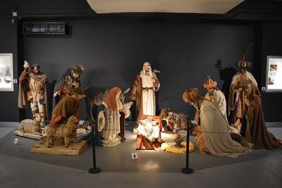 The life-size crèche completed in 1951 by Montréal sculptor Joseph Guardo is the centrepiece of the exhibition. For over 40 years, this representation of the Holy Family has been installed at the entrance to welcome visitors during the Christmas season. (CNW Group/Saint Joseph's Oratory of Mount Royal)