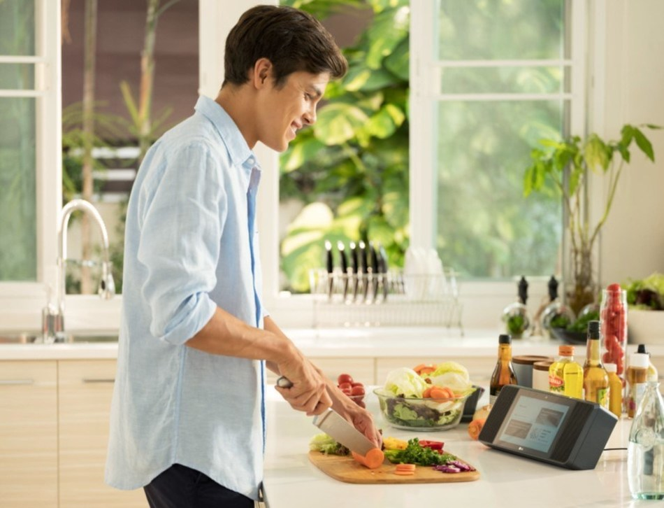 Kitchen of Tomorrow Offers Wider Selection of Connected Appliances and Access to More Smart Recipes via Partnerships (CNW Group/LG Electronics, Inc.)