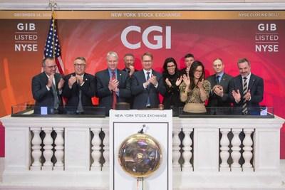 Des dirigeants de CGI sonnent la cloche de clôture à la Bourse de New York (Groupe CNW/Groupe CGI inc.)