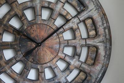 Giant Clock For Wall (PRNewsfoto/Peak Art Clocks)