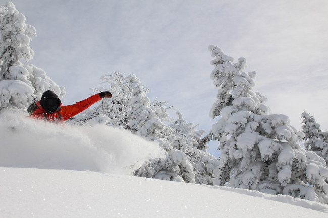 Ski the best powder on earth on Whisper Ridge's private Utah mountain terrain.