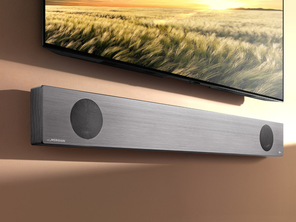 Featuring the CES Best of Innovation Winner, Latest Range of LG Soundbars Provide Premium Performance with AI Capabilities (CNW Group/LG Electronics, Inc.)