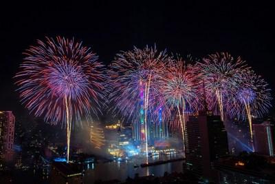 Bangkok's Chao Phraya River lights up with 1.4-kilometre new year fireworks display