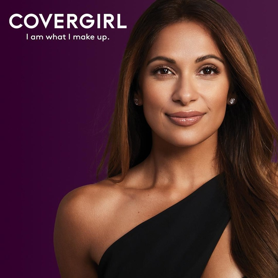 COVERGIRL welcomes media personality Sangita Patel as its newest Canadian face for COVERGIRL's Simply Ageless Collection (CNW Group/COVERGIRL)