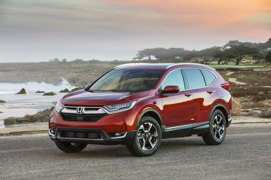 The Honda CR-V celebrates record sales in 2018. (CNW Group/Honda Canada Inc.)