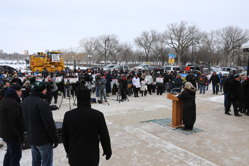 Tuesday's Rally in Regina for Canadian Resources (CNW Group/Brandt Tractor Ltd.)