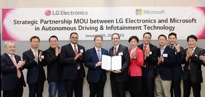 LG appliquera le savoir-faire en matière d'intelligence artificielle de Microsoft à ses systèmes avancés d'assistance à la conduite (ADAS), à sa caméra de surveillance de l'état du conducteur (DSM) et à ses produits de caméra de tableau de bord polyvalents et intégrera l'accélérateur de solution d'assistant virtuel de Microsoft à ses systèmes d'infodivertissement. (Groupe CNW/LG Electronics Canada)