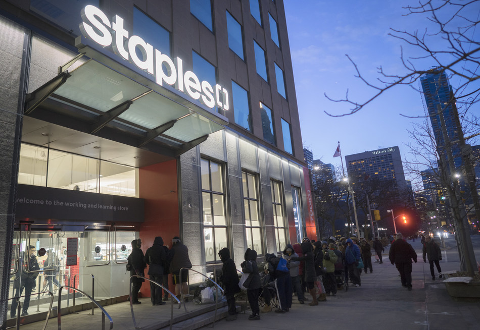 Staples Canada unveils new concept store in the heart of downtown Toronto. The new location offers a completely new inspirational experience for customers, featuring a dedicated space for community events and guest speakers called Spotlight, a Mos Mos Coffee location and the first Staples Studio, a 4,500 square foot coworking space. (CNW Group/Staples Canada ULC)