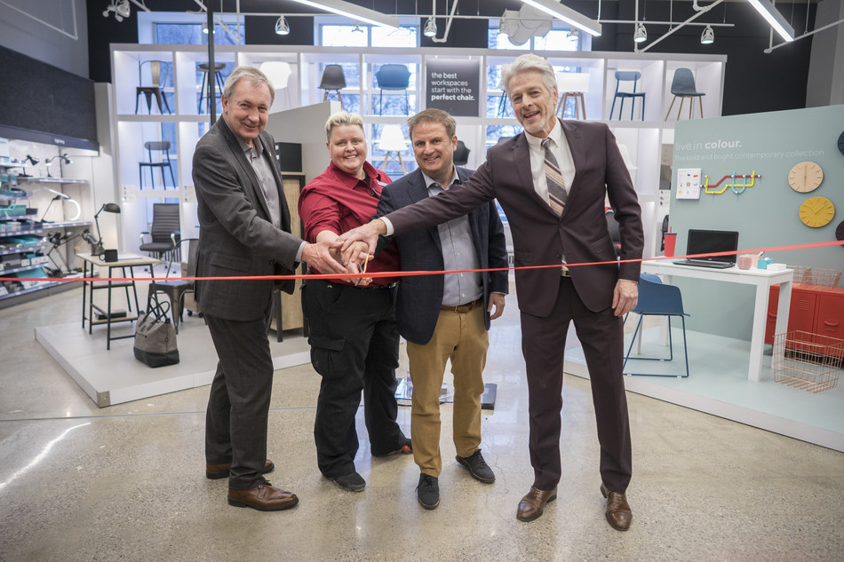 Staples Canada unveils new concept store in the heart of downtown Toronto. The new location offers a completely new inspirational experience for customers, featuring a dedicated space for community events and guest speakers called Spotlight, a Mos Mos Coffee location and the first Staples Studio, a 4,500 square foot coworking space. Left to right: Mike Williams, General Manager of Economic Development for the City of Toronto; Dianne Bedford, General Manager of Staples University Avenue; David Boone, CEO of Staples Canada, Chris Glover, Member of Provincial Parliament for Spadina-Fort York. (CNW Group/Staples Canada ULC)