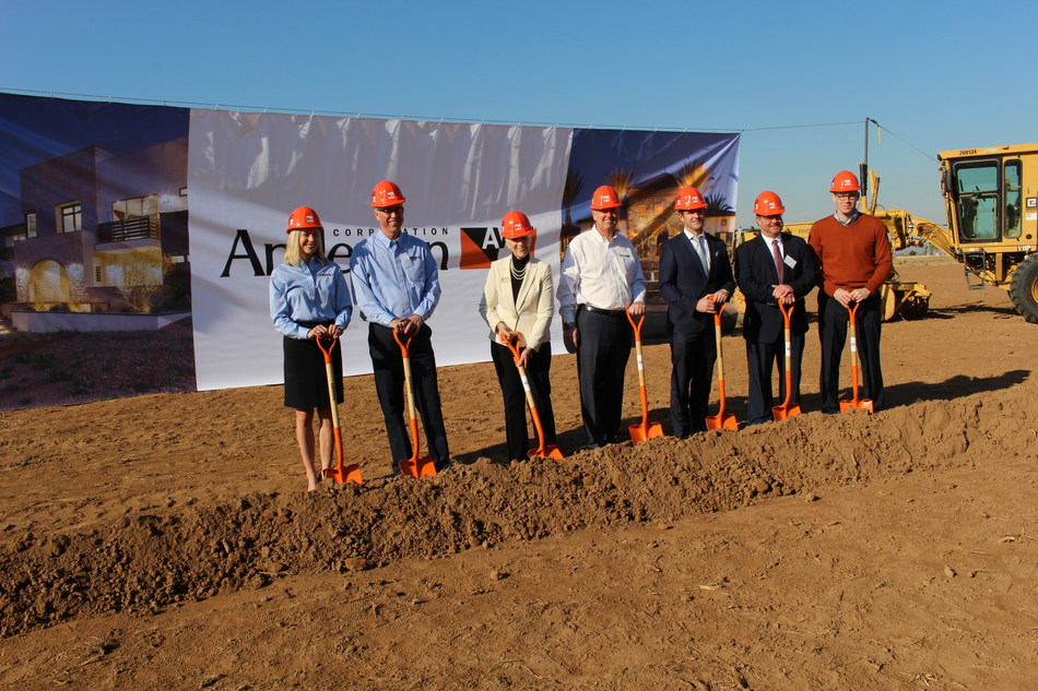 Pictured, from left to right: Andersen Director of Sustainability and Community Eliza Clark, Andersen Vice President and General Manager of West Operations Jim Moulton, Goodyear Mayor Georgia Lord, Andersen Chairman and CEO Jay Lund, Greater Phoenix Economic Council President and CEO Chris Camacho, Arizona Commerce Authority Senior Vice President of Economic and Rural Development Keith Watkins and Senior Vice President of Manufacturing and Logistics Chris Galvin.