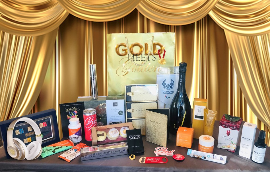 And a closer look at the items inside. Guests received a wide variety of things from beauty tools and products for Hollywood, to Health & Wellness.