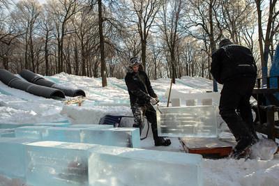 Les derniers préparatifs avant le début de la Fête des neiges de Montréal 2019. Crédits : Société du parc Jean-Drapeau - Gilles Proulx (Groupe CNW/SOCIETE DU PARC JEAN-DRAPEAU)
