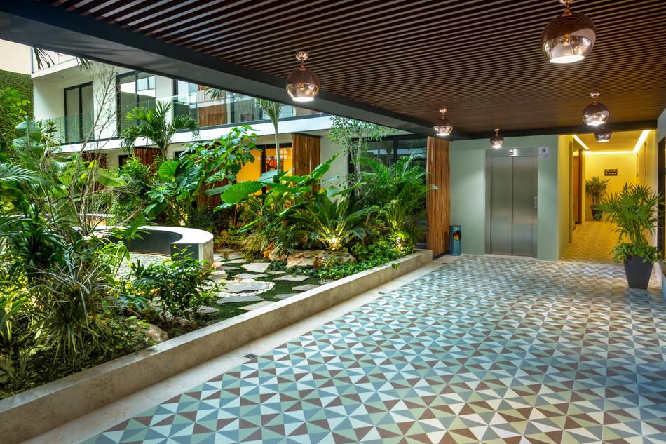 (PRNewsfoto/LUX Hotels & Residences...)