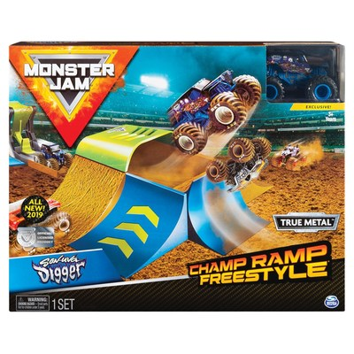 Simulate real Monster Jam action with Champ Ramp Freestyle Playset (CNW Group/Spin Master)