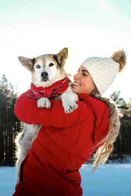 Amber Pitcher adopted Ariel from the Mohawk Hudson Humane Society and together they have summited all 46 High Peaks of the Adirondack Mountains. Amber, a campaign participant, documents their journey at @ambpitch.