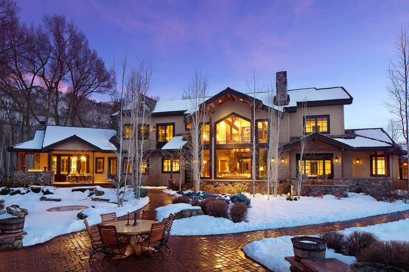 "The ""Beaumont Ranch"" in Durango, CO was sold at a live auction held on Jan 12th at the Four Seasons Hotel in Denver, CO. The 86-acre property attracted 8 registered bidders and is reported to have sold for a price that is the 3rd-highest in the City of Durango and in La Plata County, CO within the past 2 years. Discover more at PlatinumLuxuryAuctions.com."
