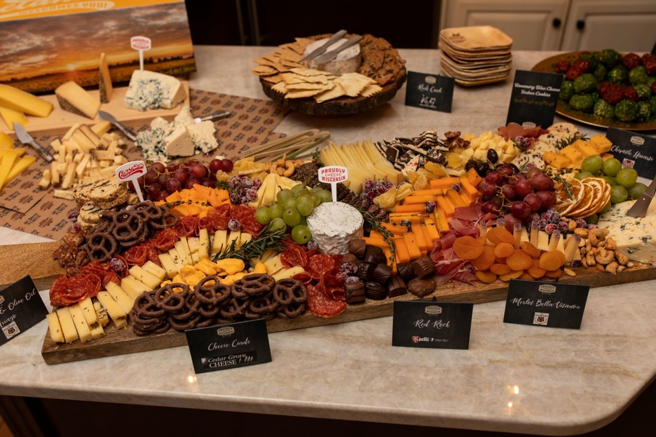 A beautiful Wisconsin cheeseboard is the ultimate crowd-pleaser at any gathering: they're impressive, versatile and so delicious. Give it a try with our best tips and tricks to help you style a photo-worthy masterpiece of your very own.