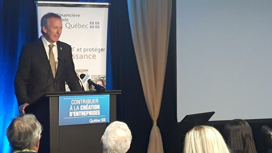 Le ministre de l'Agriculture, des Pêcheries et de l'Alimentation, M. André Lamontagne, lors d'une annonce en matière de financement pour la clientèle agricole en relation avec la création d'entreprise. (Groupe CNW/La Financière agricole du Québec)