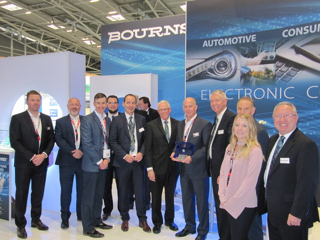 Bourns Presents Digi-Key with Best POS Growth eCommerce Partner, EMEA Award
