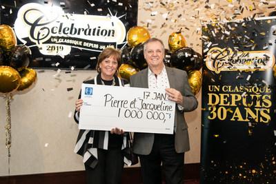 Les heureux gagnants! (Groupe CNW/Loto-Québec)