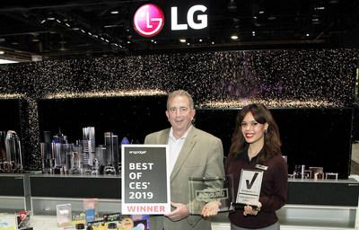 LG remporte le prix Meilleur du CES d'Engadget dans la catégorie des téléviseurs pour la cinquième année consécutive avec son téléviseur OLED SIGNATURE R. (Groupe CNW/LG Electronics Canada)