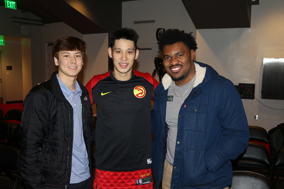 Jeremy Lin with Nathan Stockman (left) and Bobby Jefferson (right).