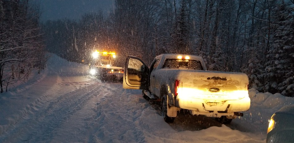 A field worker is rescued after using his G7x to call for help after being stranded on a backcountry road in a blizzard. Blackline Safety's G7x system operates via satellite connectivity, offering peace of mind for workers operating in remote locations. (CNW Group/Blackline Safety Corp.)