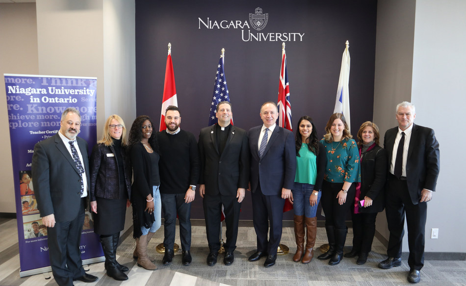 Mayor Bevilacqua announces the arrival of Niagara University to the City of Vaughan. Mayor Bevilacqua joined by Niagara University president the Rev. James J. Maher, C.M., along with faculty and students from Vaughan. (CNW Group/City of Vaughan)