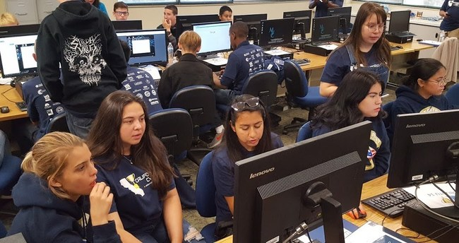 All girls team competing at the 2018 California Mayors Cyber Cup