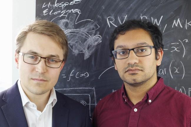 Left - Thomas Gatten, CEO, Growth Intelligence; right - Prashant Majmudar, CTO (PRNewsfoto/Growth Intelligence)