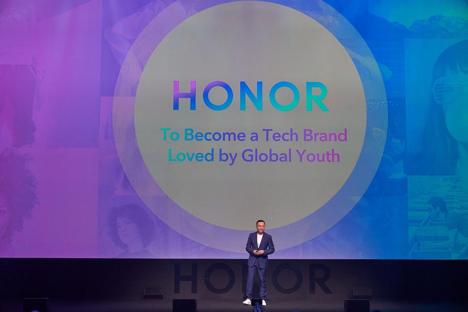 George Zhao falou no lançamento global do HONOR View20, com novo logo, em Paris (PRNewsfoto/HONOR)