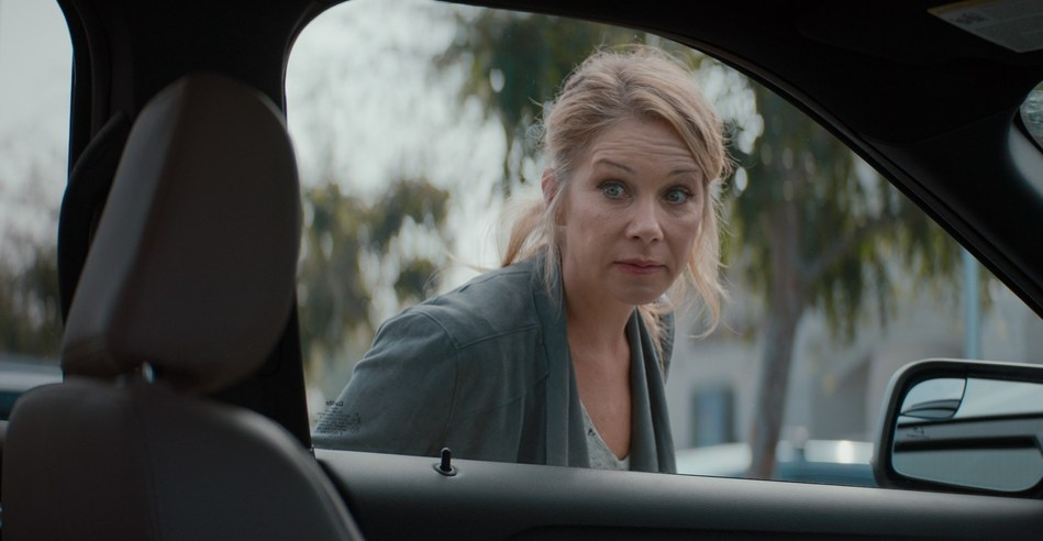 Christina Applegate To Star In New M&M'S® Super Bowl LIII Commercial