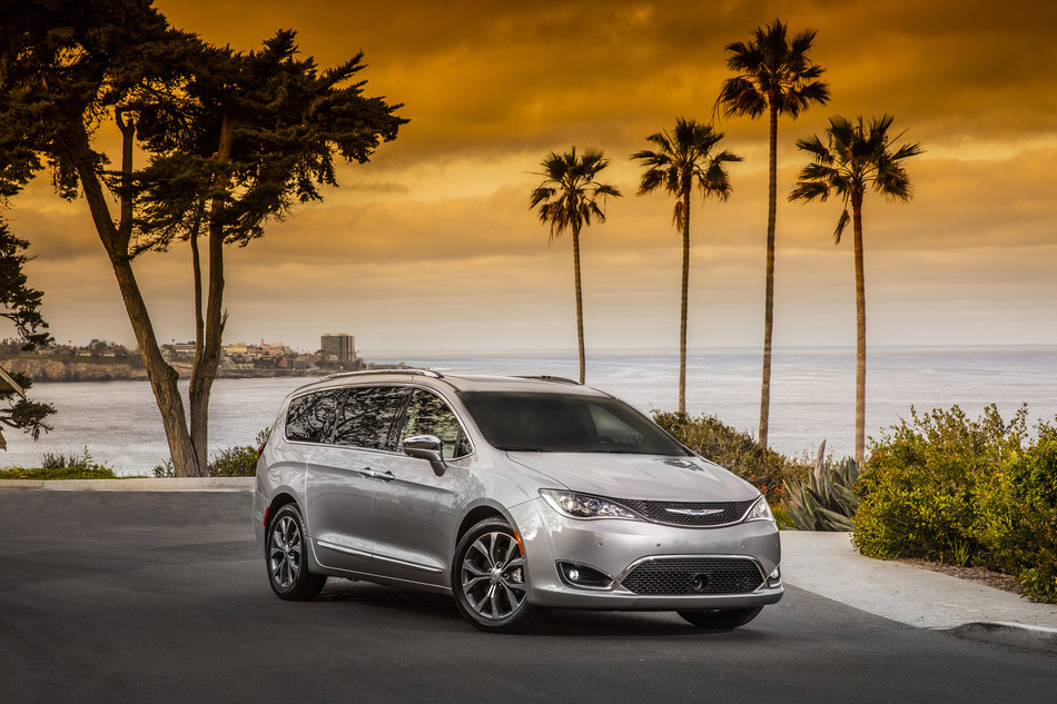Chrysler Pacifica Named 'Family Car of the Year' by Cars.com for the Second Consecutive Year