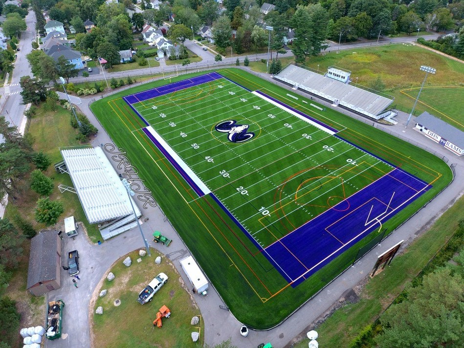 GreenFields USA is proud to announce the completion of an exciting installation of its premium product, IRONTURF: a top-of-the-line field for Deering High School in Portland. Deering is the largest high school in Portland, and its Memorial Field is the second IRONTURF installation in the Northeast.