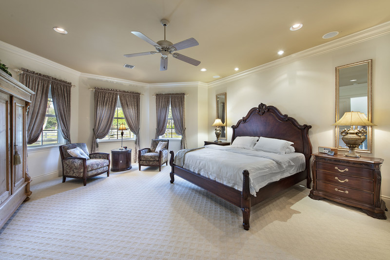 The property offers a beautiful residence with 4 beds and 4.5 baths throughout nearly 4,800 sf. Features include a sprawling master suite, office and sauna. Additional amenities can be found at WellingtonLuxuryAuction.com.