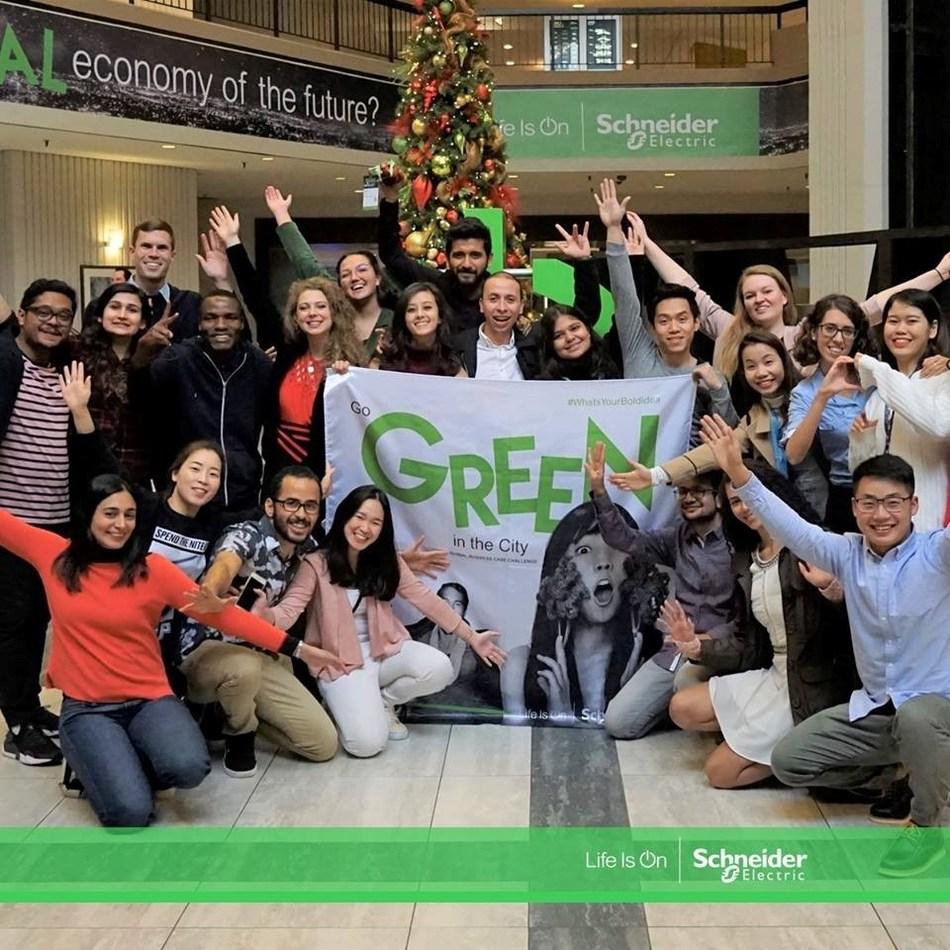 Les lauréats du concours Go Green in the City 2018 au Sommet de l'innovation Schneider Electric, à Atlanta, aux États-Unis. (Groupe CNW/Schneider Electric Canada Inc.)