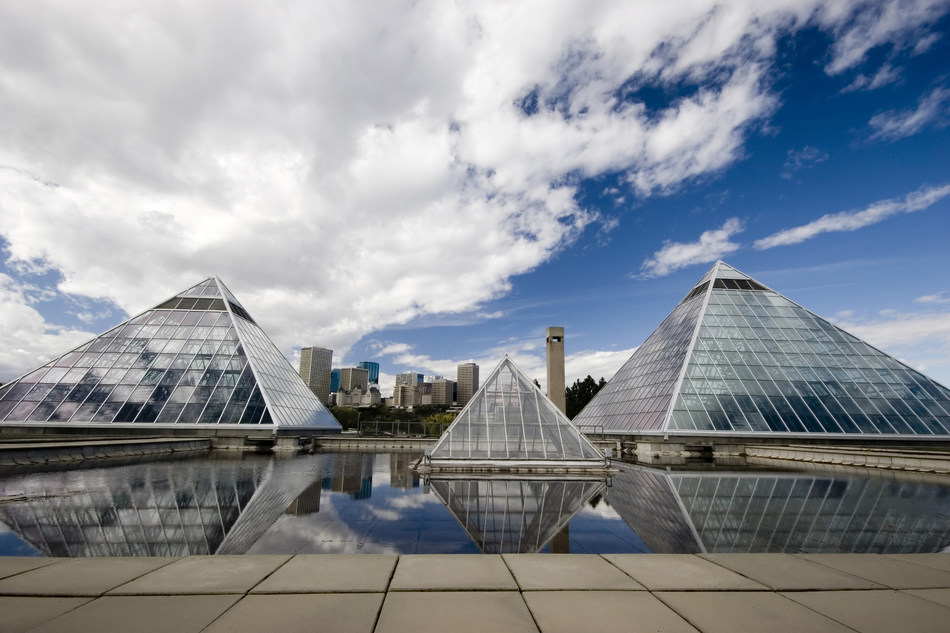 Glass pyramids in Edmonton Alberta. (CNW Group/WESTJET, an Alberta Partnership)