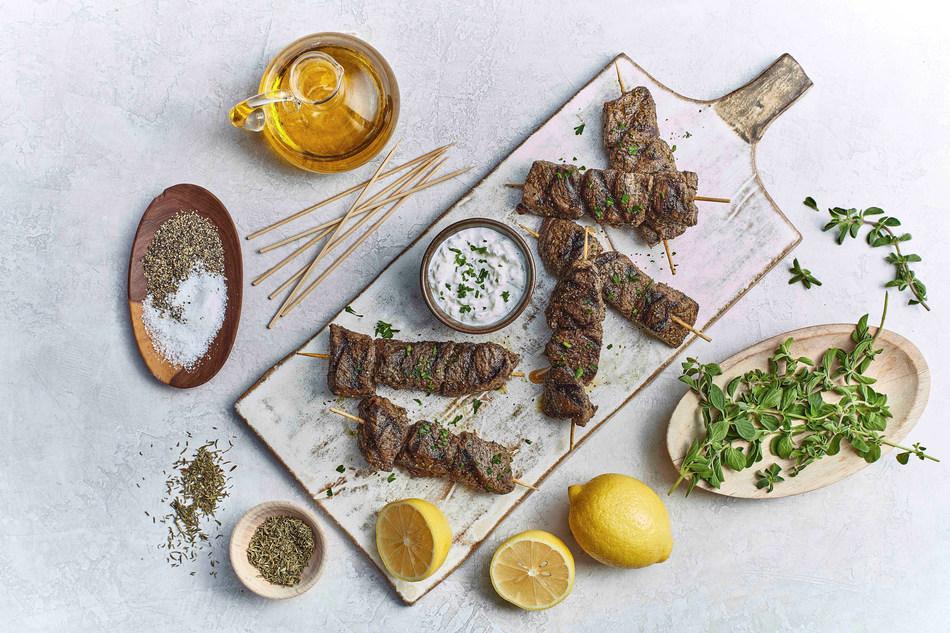 (PRNewsfoto/Taziki's Mediterranean Cafe)
