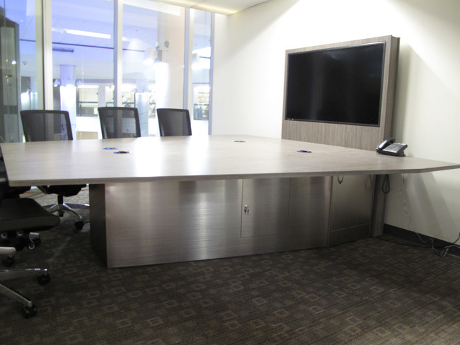 Collaboration table from Exact Furniture