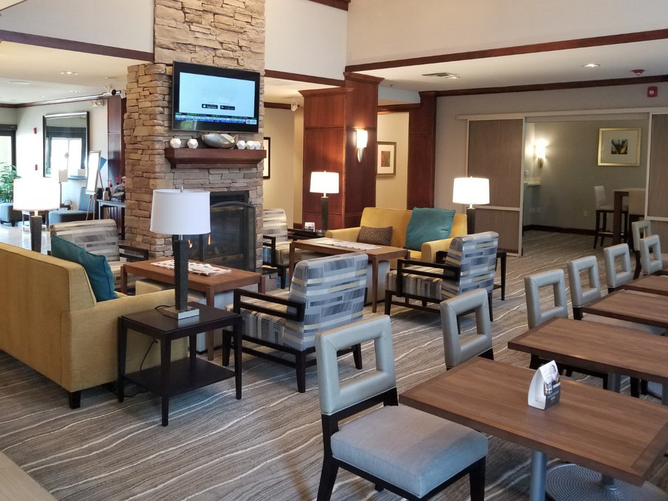 The newly renovated lobby lounge at the Staybridge Suites Tampa. (CNW Group/American Hotel Income Properties REIT LP)