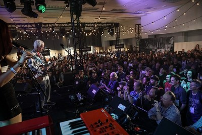 Robby Krieger performs for fans at the GIBSON Experience at NAMM 2019.