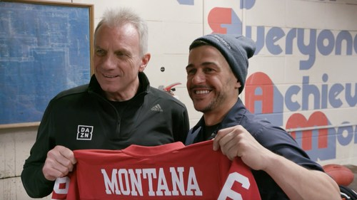 Joe Montana touches down in Canada to hook up fans with DAZN just in time for Super Bowl LIII (CNW Group/DAZN)