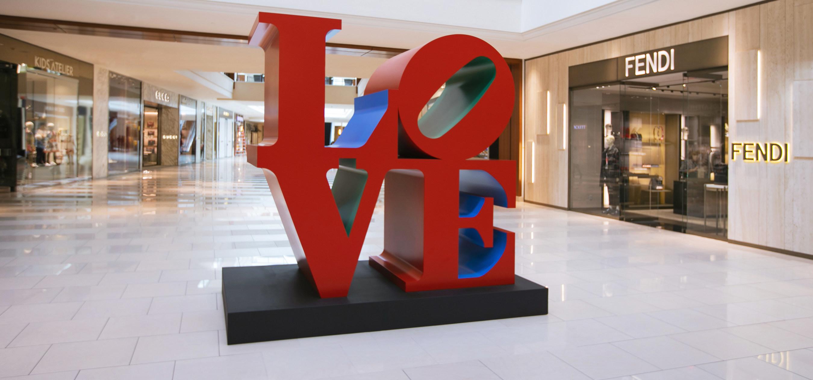 LOVE Sculpture by Robert Indiana at Aventura Mall