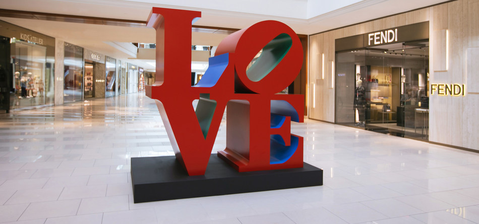 LOVE Sculpture by Robert Indiana at Aventura Mall